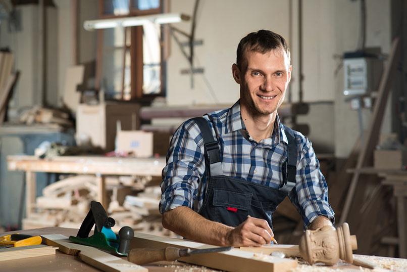 Benedikt Dernbecher, Berufsunfähigkeitsversicherung, Unfall